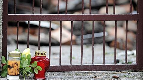 """St. Pölten gedenkt Opfern """"in aller Stille und Ruhe"""" (Bild: APA/HERBERT PFARRHOFER)"""