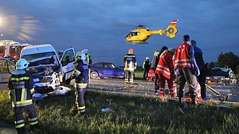 Missglücktes Überholmanöver fordert zwei Tote (Bild: laumat.at/Matthias Lauber)