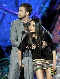 Timberlake und Kunis grapschen Liebesgerüchte weg (Bild: AP)