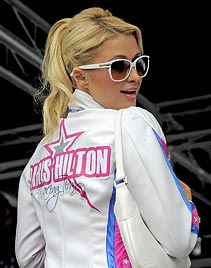 Paris im Lederoutfit: Hype um It-Girl bei Motorrad-WM (Bild: AFP)