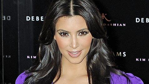 Kim lässt Verlobten einen Ehevertrag unterschreiben (Bild: AP)