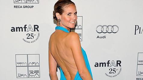 Wahnsinnskleid! Aber: Heidi ist so dünn wie nie zuvor (Bild: AP)