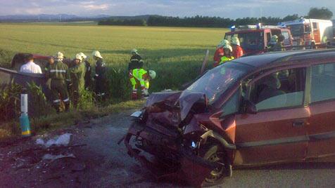 30-jährige Frau und Bursche sterben bei Verkehrsunfällen (Bild: Ö-News/ M. Fischer)