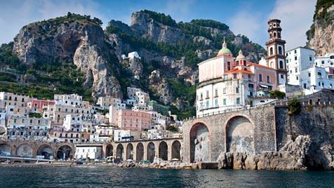 Der Golf von Neapel bietet Lebensfreude vom Feinsten (Bild: thinkstockphotos.de)