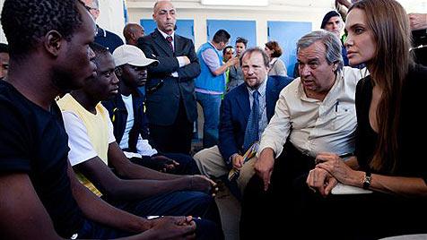 Jolie besuchte Flüchtlinge auf Lampedusa