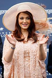 Bollywoodstar Aishwarya Rai erwartet ein Kind (Bild: AP)