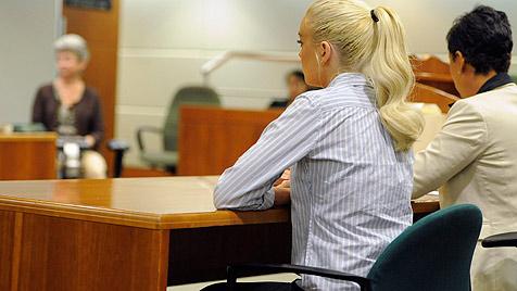 Lindsay Lohan erhält von Richterin Partyverbot (Bild: AP)
