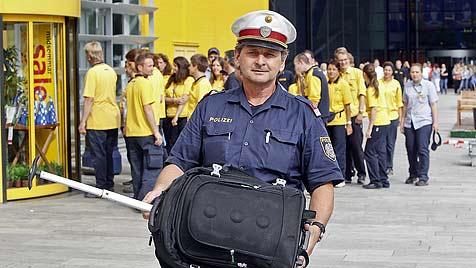 Leerer Koffer löst Bombenalarm in Ikea-Filiale aus (Bild: Markus Tschepp)