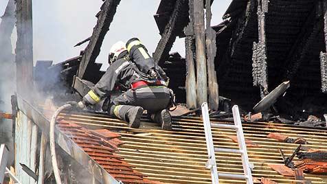 Drei Verletzte bei Brand von Welser Wohnhaus (Bild: Markus Wenzel)