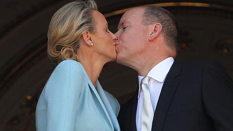 """""""Oui!"""" Fürst Albert und Charlene haben endlich geheiratet (Bild: EPA)"""