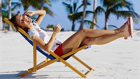 So bist du mit dem Handy günstig und sicher auf Urlaub (Bild: thinkstockphotos.de)