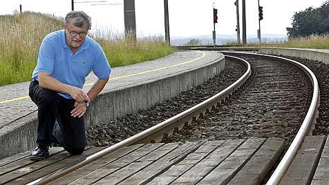 Betrunkener von Zug überfahren - beinahe unverletzt (Bild: Markus Tschepp)