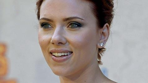Johansson und Reynolds nun offiziell geschieden (Bild: AP)