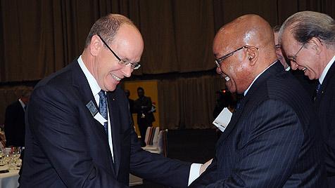 Zuma scherzte über Brautpreis für Fürstin Charlene (Bild: EPA)