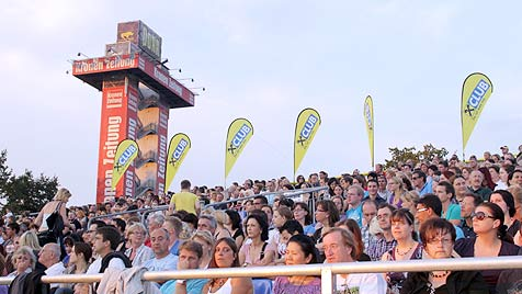 Bryan Adams sorgte bei See-Rock für feuchte Augen (Bild: Jürgen Radspieler)