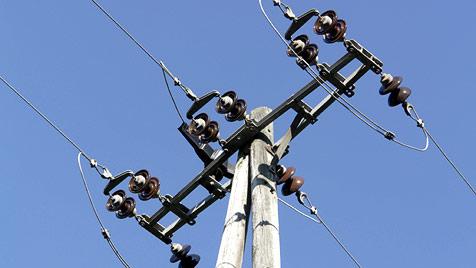 39-Jähriger gerät mit Angelrute in Stromleitung - tot (Bild: thinkstockphotos.de (Symbolbild))