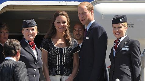 William und Kate nehmen Linienflug zurück nach Hause