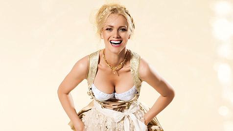 Topmodel Franziska Knuppe macht Lust auf Trachtenmode (Bild: Triumph International AG)