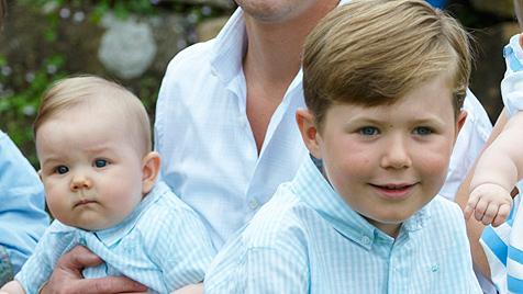 Mary hat mit ihren Zwillingen alle Hände voll zu tun (Bild: AP)