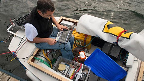 Roboter-Segelboot erforschte Wale in der Ostsee (Bild: INNOC/Roboat.at)