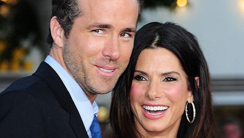Ryan Reynolds und Sandra Bullock heizen Gerüchte an