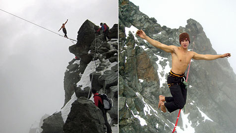 Steirer spaziert in 3.770 Meter Höhe über Slackline (Bild: APA/Gerald Kienast)