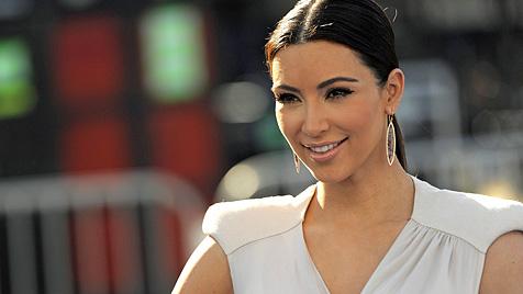 Kim Kardashian: Dresscode für ihre Hochzeitsgäste (Bild: AP)