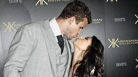 """Kim Kardashian: """"Ich habe aus Liebe geheiratet!"""" (Bild: AP)"""