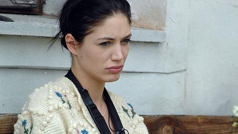 """Model Tessa droht auf der """"Alm"""" mit Hungerstreik (Bild: Pro7)"""