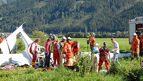 Pilot stand bei Flugzeug-Kollision unter Drogen (Bild: APA/Richard Ronacher)