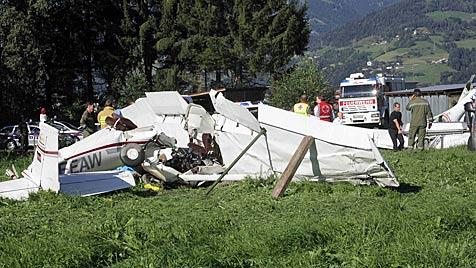 Pilot stand bei Flugzeug-Kollision unter Drogen (Bild: APA/Franz Neumayer)
