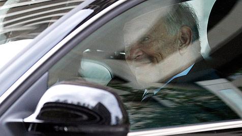 Strauss-Kahn entschuldigt sich bei Ex-Mitarbeitern (Bild: AP)