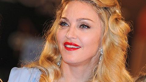 Madonna faltenfrei in Venedig: Wie macht sie das bloß? (Bild: EPA)