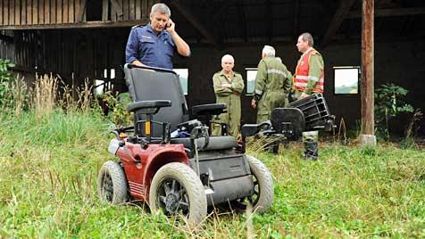 Rollstuhl umgekippt - Mann muss Nacht in Stadel verbringen (Bild: APA/Werner Kerschbaummayr)
