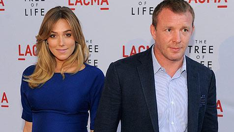 Madonnas Ex Guy Ritchie ist wieder Vater geworden (Bild: AP)