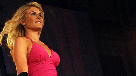 """Vize-""""Miss Austria"""" Julia Hofer fährt zur """"Miss World""""-Wahl (Bild: APA-FOTO: HERBERT PFARRHOFER)"""
