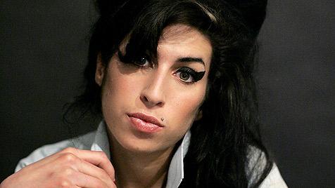 Pete Doherty wird von Winehouses Geist heimgesucht (Bild: AP)