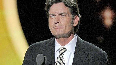 Serien-Rauswurf bringt Sheen 100 Millionen Dollar (Bild: AP)