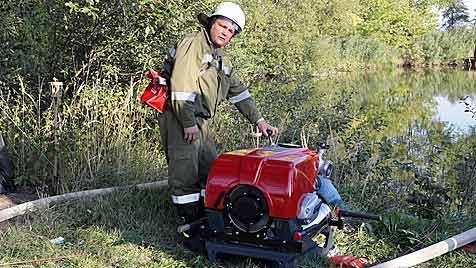 Flurbrand in NÖ löst Großeinsatz mit 13 Feuerwehren aus (Bild: BFK Krems/Wimmer M.)