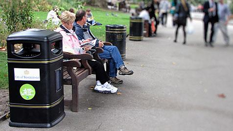 London versucht es jetzt mit singenden Mistkübeln (Bild: Keep Britain Tidy)