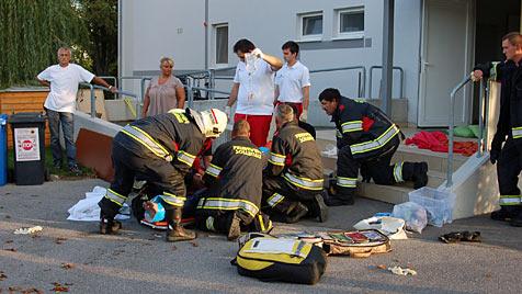 Patient irrt als lebende Fackel durch Heim in NÖ (Bild: Feuerwehr Sollenau)