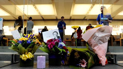 """Trauer um Jobs: """"Die Welt hat einen Visionär verloren"""" (Bild: EPA)"""