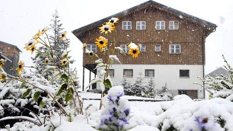 http://imgl.krone.at/Bilder/2011/10/07/Kaelteeinbruch_21.5_Grad_weniger_in_24_Stunden-Winter_im_Herbst-Story-298538_476x268px_3_qgU_PouEruqBI.jpg