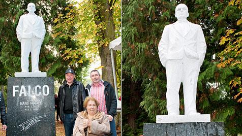 Falco-Statue im Kurpark von Gars am Kamp enthüllt (Bild: APA/Reinhard Podolsky/mediadesign)