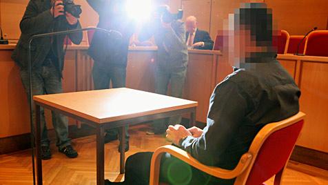 Vater prügelte Tochter halb tot - Prozess in Linz (Bild: APA/RUBRA)