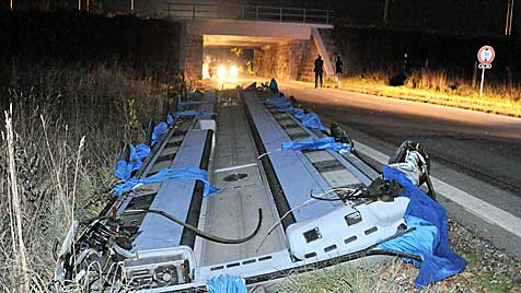 """Experte: """"Busdach sollte es nicht herunterreißen"""" (Bild: Horst Einöder)"""