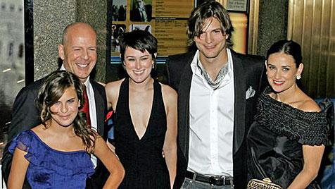 """Bruce Willis wegen Ashton Kutchers Affäre """"ausgeflippt"""" (Bild: AP)"""