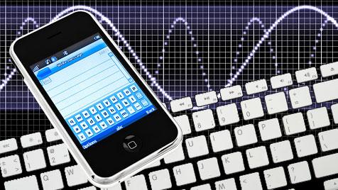 Lauschangriff auf Tastatur mittels Bewegungssensor (Bild: thinkstockphotos.de, krone.at-Grafik)