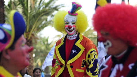 Clowns lachten in Mexiko für den Weltfrieden (Bild: EPA)