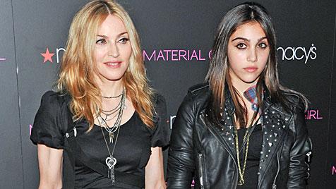 Lourdes hat ganz schön Stress mit Mama Madonna! (Bild: AP)